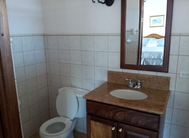 Bathroom in house for sale in Atenas, Costa Rica