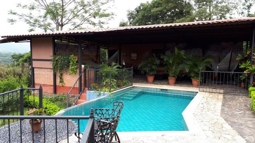 house with pool for sale Atenas Costa Rica
