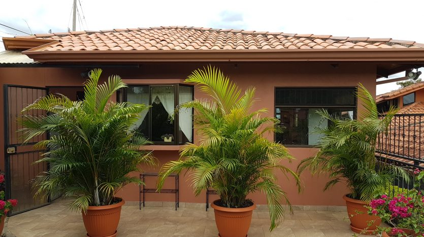 large home for sale in Atenas Costa Rica