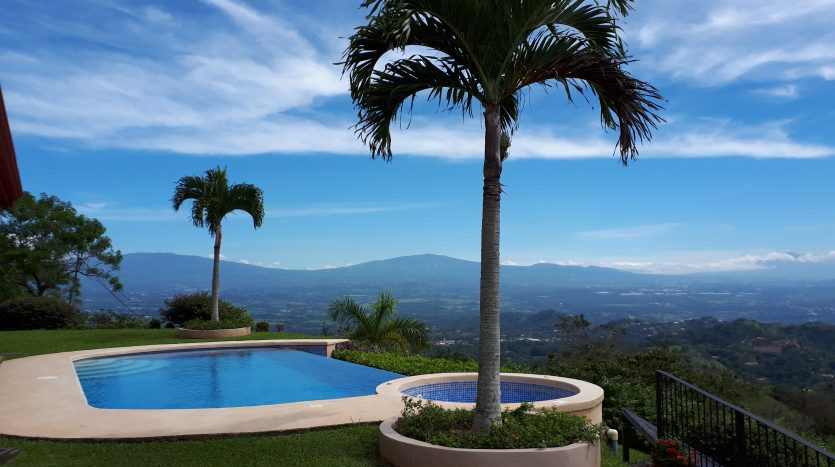 House for sale by Atenas real estate in Costa Rica