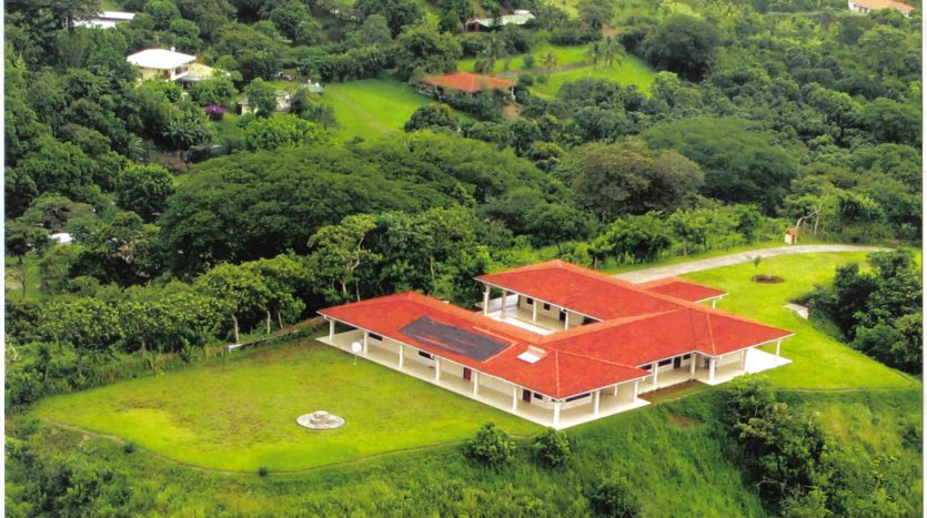 Large estate house for sale bu Atenas real estate in Costa Rica