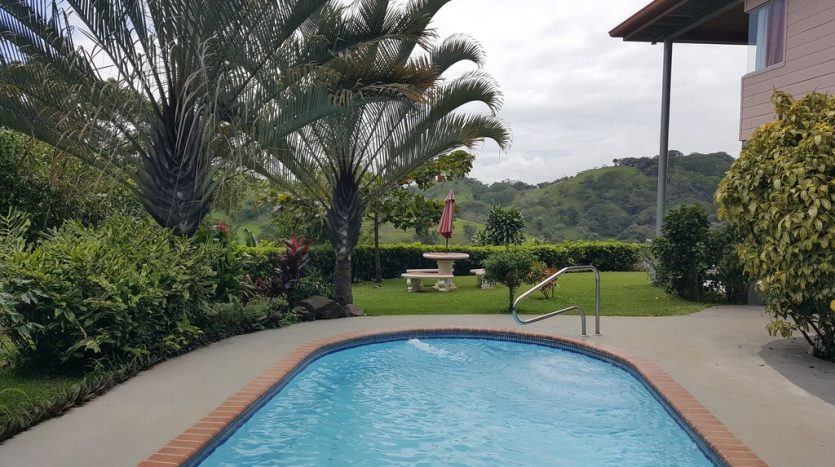 house with pool for rent Atenas Costa Rica