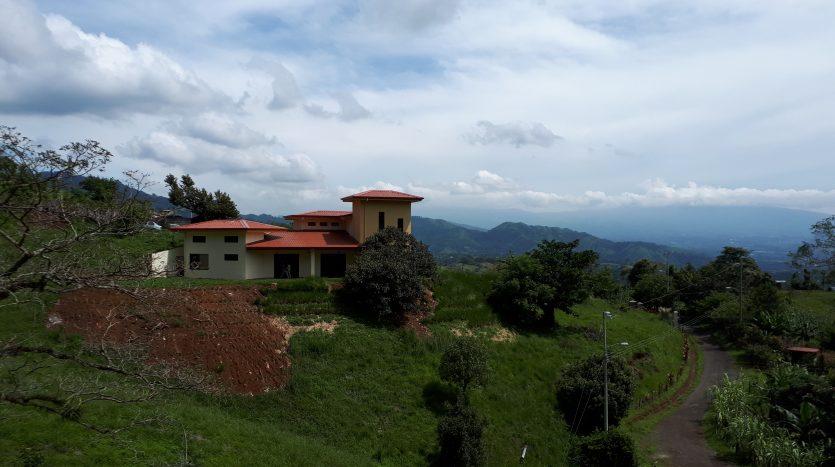 upscale lot for sale in Atenas, Costa Rica