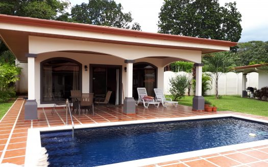 Costa Rica gated community house with pool for sale in Atenas
