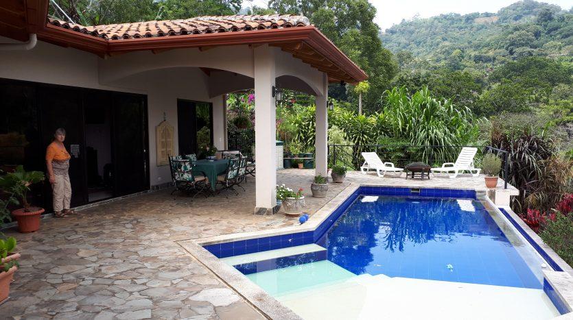linda casa a la venta en Atenas Costa Rica