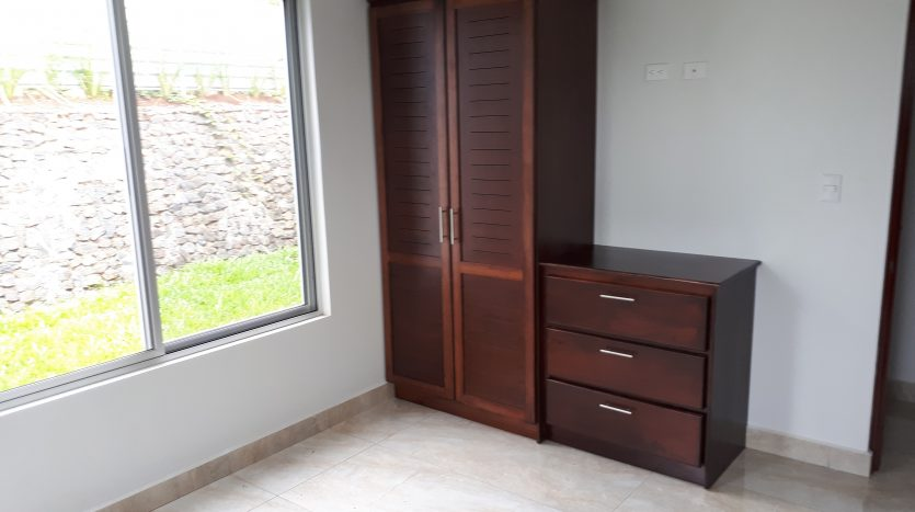 Pura vida casa a la venta en Atenas Costa Rica
