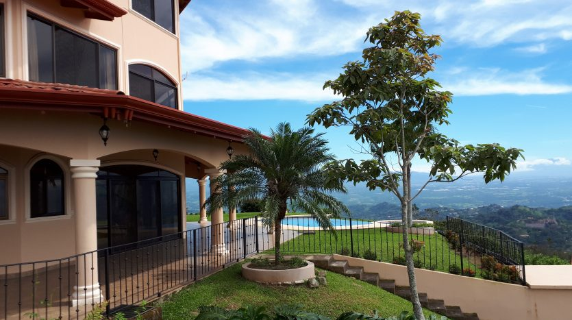 House for rent by Atenas real estate in Costa Rica
