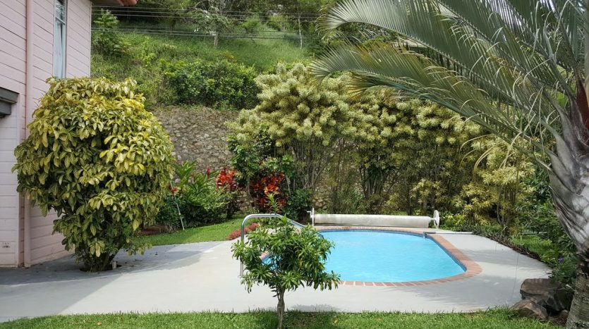 Costa Rica Atenas house for rent