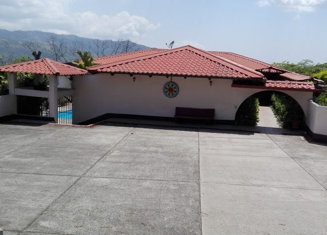 House in Atenas costa rica for sale