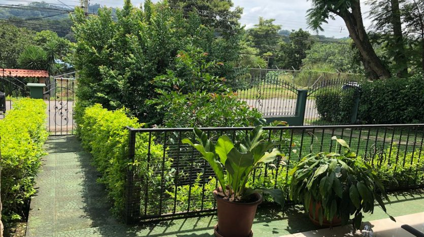 Atenas real estate has for sale a nice house in Costa Rica
