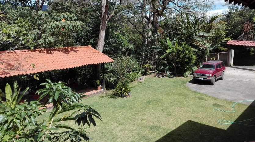 4 appartment house for rent in Atenas Pura Vida Costa Rica