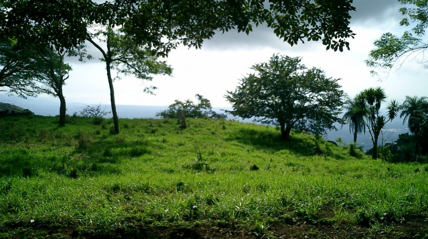 Between Atenas Orotina in Costa Rica land for sale