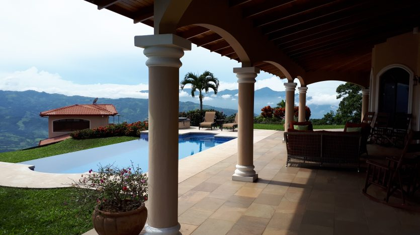 house in upscale community in Atenas Costa Rica for sale