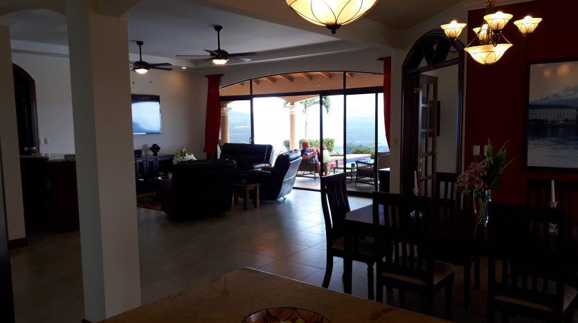 bienes raices Atenas vende casa en Costa Rica