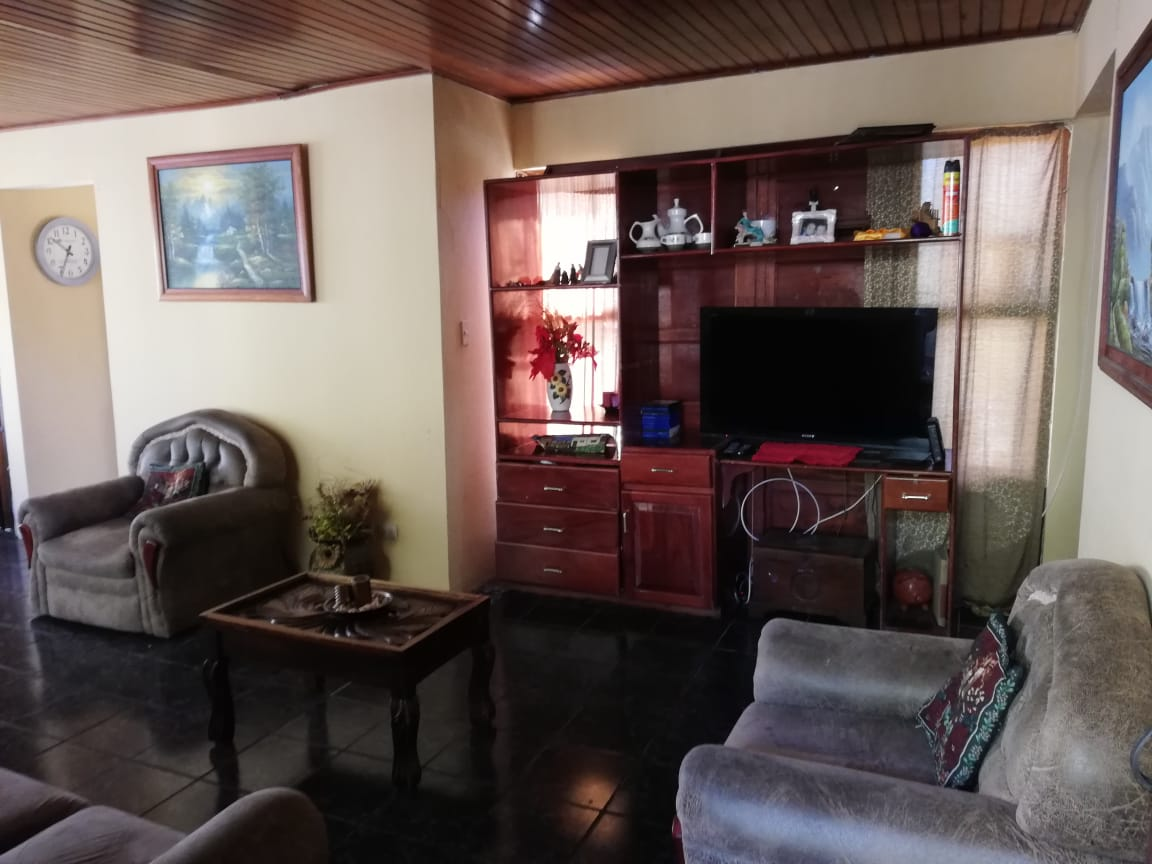 4 Bedroom 2 Bathroom Home For Sale Near Highway 7 In Atenas